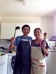 Saya dan Intan di dapur