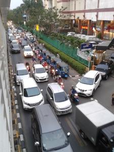 Kemacetan di Jakarta. Foto diambil di depan Mall Sunter, saat sore hari jam pulang kantor.