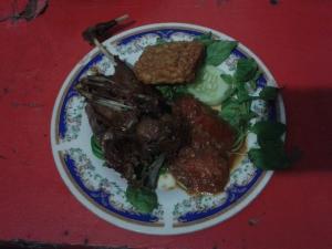 Bebek goreng dan sambal terasi