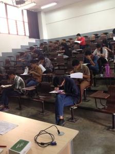 Ujian di kelas