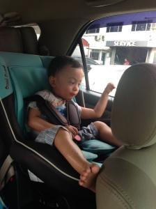Kinan di car seat